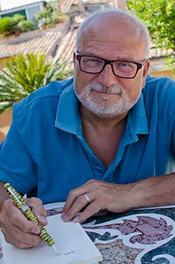 Glenn Marcus with his Re-discover Pompei Pen
